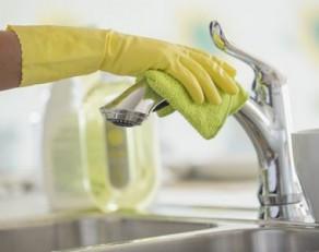 4 mẹo giúp bạn vệ sinh chiếc vòi chậu rửa một cách hiệu quả
